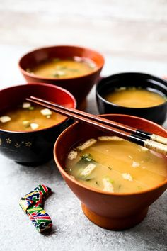 My Mother's Miso Soup (みそ汁) - Pickled Plum Food And Drinks Japanese Miso Soup, Japanese Dishes, Japanese Meals, Korean Dishes, Tofu Recipes, Asian Recipes, Yummy Recipes, Yummy Food, Healthy Dinner Recipes
