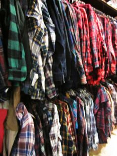 Last Pinner: Soft Warm Unisex Winter Mystery Flannel Shirts, All Colors, Styles & Sizes! Plaid Shirt Outfits, Hipster Outfits, Grunge Outfits, Grunge Fashion, Casual Outfits, Cute Outfits, Flannel Shirts, Mens Fashion, Fashion Outfits