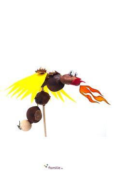 Feuer spucken kann der Kastaniendrache zwar nicht, aber es lässt sich super mit ihm spielen. Conkers, Baby, Arts And Crafts, Nature, Kids, Craft Ideas, Kids Discipline, Game Ideas, Cactus