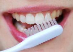 dentifrice : ¾ d'argile blanche ou de kaolin + ¼ de sauge et de thym en petits morceaux + qqs gouttes huile de menthe