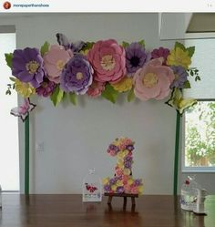 Discover thousands of images about Paper flowers backdrop wedding Large Paper Flowers, Paper Flower Wall, Tissue Paper Flowers, Paper Flower Backdrop, Giant Paper Flowers, Big Flowers, Fabric Flowers, Floral Backdrop, Paper Decorations