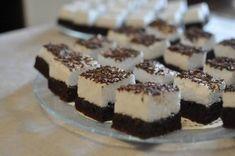 negresa cu bezea Tiramisu, Brownies, Cheesecake, Good Food, Food And Drink, Lunch, Cooking, Ethnic Recipes, Desserts