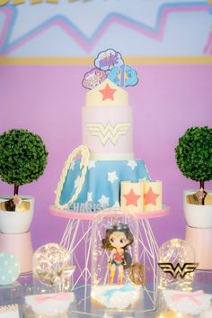 Wonder Woman-crowned Dessert Tarts from a Pastel Wonder Woman Birthday Party Wonder Woman Birthday Cake, Wonder Woman Cake, Wonder Woman Party, Birthday Woman, 1st Birthday Girls, Birthday Parties, Themed Parties, Party Themes, Party Ideas