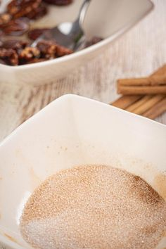 Keto pecans that are a MUST try! These keto cinnamon sugar pecans are amazing! Such a great treat on a ketogenic diet. Sugar Coated Pecans, Cinnamon Sugar Pecans, Low Carb Keto, Low Carb Recipes, Keto Fat, Cinnamon Swirl Pancakes, Fat Bombs Low Carb, Keto Candy, Keto Snacks