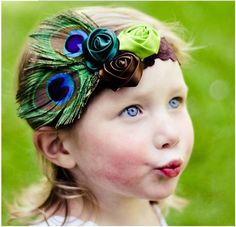 Aliexpress.comの から の中の送料無料!! クリスマスヘッドバンドヘアバンド子供頭飾り羽クジャクの羽、 5pcs/lot、