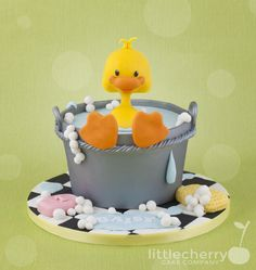 Beautiful Bath time for ducky - Cake by Little Cherry
