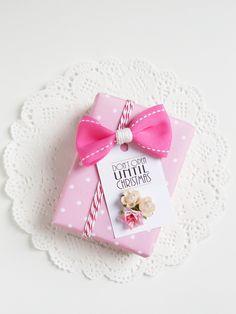 Ghirlanda di Popcorn: pretty pink christmas package