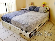 Need a new bed for your bedroom? Why not make one of these DIY platform beds instead? Upcycle and build one of these cheap and easy weekend projects! Platform Bed Designs, Best Platform Beds, Diy Pallet Bed, Diy Bed, Bed Designs With Storage, Platform Bed With Drawers, Cute Home Decor, Pallet Furniture, Kitchen Furniture