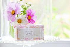 Seidig zart pflegende und gut duftende Kernseife von Lollia