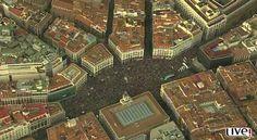 Los españoles llenaron la Puerta del Sol luchando con un sólo espíritu.