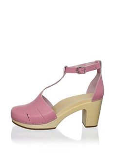 Pink Baskemolla Duck-Toe T-Strap | Swedish Hasbeens