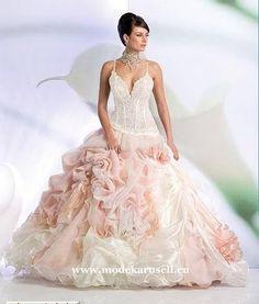 Quinceanera Traumhaftes Ballkleid Brautkleid Abendkleid   www.modekarusell.eu
