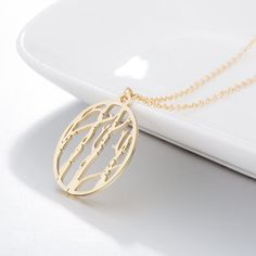 SENFAI 10K Gold Plating Locket Fmaily Tree Pendant Necklace with Five Different Pads