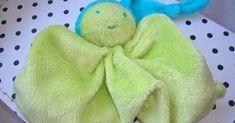 Onze oudste, Quint heeft een klein, groot vriendje, Pluis. Op de foto staat een soortgelijk poppetje, die van Quint ziet er beduidend mind...