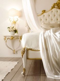 Inspiring Regal Home Interior Design in Various Styles: Sensational Bedding Style In White Beige Color Decoration From Home Designer. Romantic Homes, Elegant Homes, Romantic Room, South Shore Decorating, Shabby Chic, Luxury Interior Design, Mellow Yellow, Beautiful Bedrooms, Beautiful Interiors