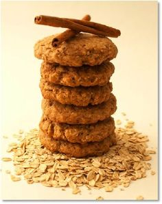 Maple Cinnamon Oatmeal Cookies via Grande {Hot Polka Dot} Honey Cookies, Cinnamon Cookies, Cinnamon Oatmeal, Roll Cookies, Best Oatmeal Raisin Cookies, Oatmeal Cookie Recipes, Fodmap Recipes, Gluten Free Recipes, Fodmap Baking