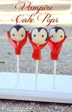 Vampire Cake Pops. I will never make these but they are so cute I'm pinning them anyway. The capes are fruit roll ups! Awww