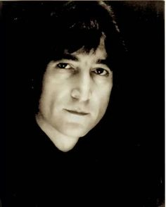 John Lennon... <3. That's a beautiful picture