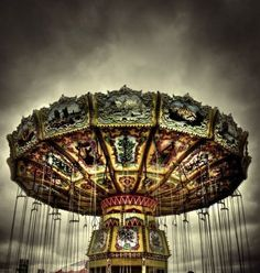carousels though, can also be eerie, sad, lonely, dark, evil or kinda strange... I like them :D