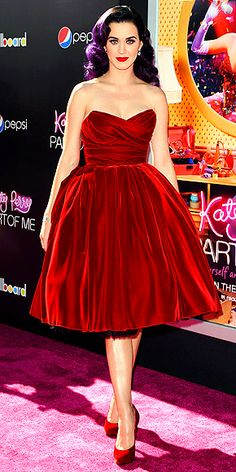 Katy Perry goes for total old-school glamour in Dolce & Gabbana at the Hollywood premiere of her 3D film.