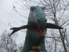 Abandoned Theme Parks, Abandoned Amusement Parks, Road Trip Across America, Plastic Dinosaurs, Dinosaur Park, Prehistoric Creatures, Arkansas, Creepy, Sculptures