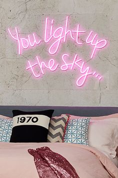 The hot pink neon sign finishes this fun, feel-good Colour Clash look bedroom Interior Plants, Interior Trim, Interior Design Tips, Hot Pink Kitchen, Pink Neon Sign, Cool Neon Signs, Home Improvement Show, Plant Box, Artwork For Home