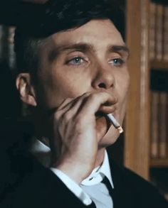 Check out all the awesome thomas shelby gifs on WiffleGif. Including all the cillian murphy gifs, peaky blinders gifs, and smoking gifs. Peaky Blinders Tommy Shelby, Peaky Blinders Thomas, Cillian Murphy Peaky Blinders, Peaky Blinders Series, Peaky Blinders Quotes, Peaky Blinders Wallpaper, Don Juan, Film Serie, Gangsters