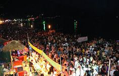 Full moon party at Koh Phangan near Pattaya is a great means of entertainment for every age group. The party is rocked by the Thai as well as DJ making the crowds go wild. Full Moon Party Thailand, Thailand Festivals, Moon Beach, Best Scuba Diving, Koh Phangan, Strange Photos, Thailand Travel, Places Ive Been, Traveling By Yourself
