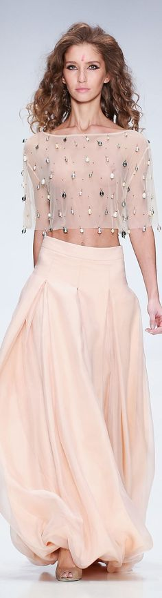 MAYA BY MARIA DIDAROVA spring 2015 ~ ~ ~ the skirt! Could I get away with it at 50? :-)