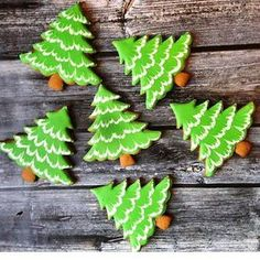"""(@tastyinspiration) on Instagram: """"Christmas tree gingerbread cookies Decorated with royal icing Credit @zolotaiariba Be sure…"""""""