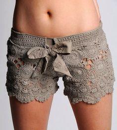 Shorts con lazo en gris