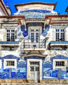 Azulejos mood ~ Aveiro, Portugal Photo: Congrats 💖 Founders: 🚩Have you ever visited this enchanting city? Cascais Portugal, Visit Portugal, Spain And Portugal, Road Trip Portugal, Portugal Travel, Places To Travel, Places To Go, Travel Destinations, Portuguese Culture