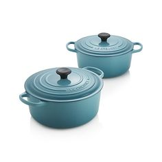 Cast iron round French oven is clad in smooth, vitrified porcelain (here in vibrant tropical blue), rendering each piece impervious to acid, alkali, odors and stains. The addition of the French oven's lid allows the heat to surround the food, cooking it evenly; the close fit makes the French oven suitable for braising and keeping foods warm.