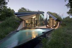 An eco-friendly hobbit home: Edgeland Residence