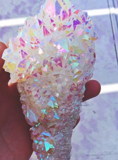 love, light & fairy dust — Giant Angel Aura ✨💫🌈🌀💎🍬💖 Snag it on. Cool Rocks, Beautiful Rocks, Minerals And Gemstones, Rocks And Minerals, Crystal Aesthetic, Crystal Magic, Mineral Stone, Rocks And Gems, Stones And Crystals