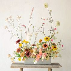 A favourite from this time last year to start the week. Vase Arrangements, Floral Centerpieces, Flower Arrangement, Ikebana, Floral Bouquets, Floral Wreath, Floral Wedding, Wedding Flowers, Arte Floral