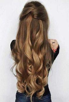 NavegaçãoPenteados para cabelos longos 2018 no dia – a – diaPenteado pra cabelo comprido 2018 à noiteCabelos para festaPenteados para trabalharPensando nesse novo ano, hoje vou trazer algumas sugestões de penteados para cabelos longos 2018. São estilos que ficam muito bonitos praquelas que tem cabelões. Então se prepara, você que é cabeluda, porque as dicas …