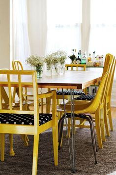 INTERIOR INSPIRATION - like the yellow with black and white polka dots