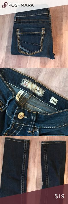 BKE Stella Straight Leg Jeans Size 25R. In excellent condition. I love getting bundle offers, so please don't be shy❤️ Sorry, no trades. From a smoke free & pet free home. BKE Jeans Straight Leg