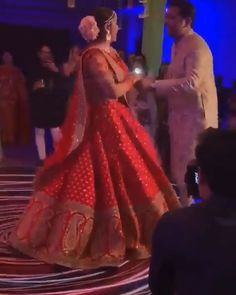 Couple Dance On Wedding Night Choreographed by Anusha Wedding Photography Indian Wedding Songs, Indian Wedding Couple Photography, Indian Wedding Photos, Indian Bridal Outfits, Bridal Hairstyle Indian Wedding, Wedding Poses, Wedding Couples, Wedding Dance Video, Wedding Videos