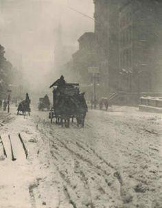 alfred-stieglitz-winter-on-fifth-avenue  1897