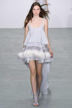 Antonio Berardi Spring 2017 Ready-to-Wear Collection Photos - Vogue