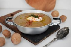 Αυτός ο καιρός εμπνέει μόνο για σούπες και χουχουλιάρικα φαγητά! Δοκίμασε κι εσύ λοιπόν αυτή τη συνταγή για βελουτέ μανιταρόσουπα.