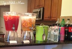 Bunco Party Ideas with Top Notch Mom - Top Notch Mom Bunco Snacks, Bunco Prizes, Bunco Game, Party Snacks, Ladies Night Party, Game Night Parties, Girls Night, Bunco Party Themes, Bunco Ideas