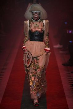 Gucci   Ready-to-Wear Spring 2017   Look 2