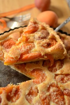 Apricot tart almond cream 2 - Hum, it smells good . Easy Smoothie Recipes, Easy Smoothies, Good Healthy Recipes, Snack Recipes, Dessert Recipes, Pumpkin Spice Cupcakes, Coconut Recipes, Sweet Desserts, Cupcake Recipes