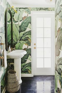 By Louise -- Décor Inspiration: Romantic Tropical & Island Style -- I thought I'd introduce a little bit of romantic tropical style into this week's piece