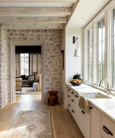 Interior Design Services, Interior Inspiration, Home Kitchens, Kitchen Design, Mid-century Modern, House Plans, Living Spaces, Sweet Home, New Homes