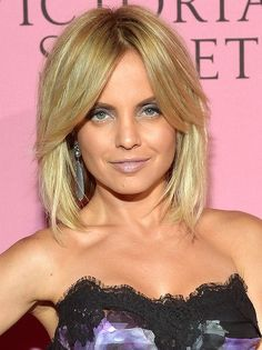 Mena Suvari Suits medium/thick hair density; fine/medium hair texture
