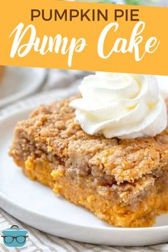 Pumpkin Pie Dump Cake gets it's name by dumping the ingredients intø the baking dish. It is like a pumpkin pie and a spice cake all in ø. Köstliche Desserts, Holiday Desserts, Dessert Recipes, Plated Desserts, Best Pumpkin Pie, Pumpkin Recipes, No Bake Pumpkin Pie, Pumpkin Pies, Fall Recipes